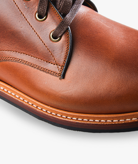 Natural leather upper for a luxurious look and buttery soft feel.