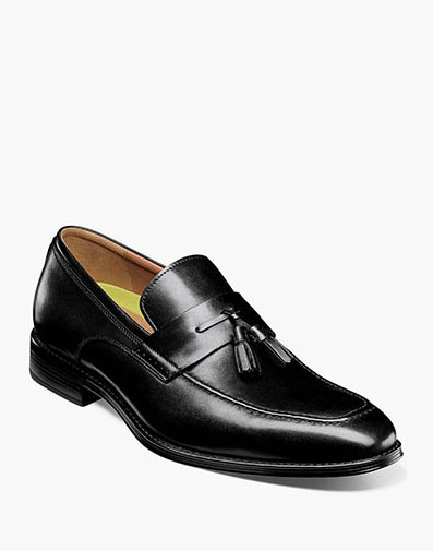 Amelio  in Black for $160.00